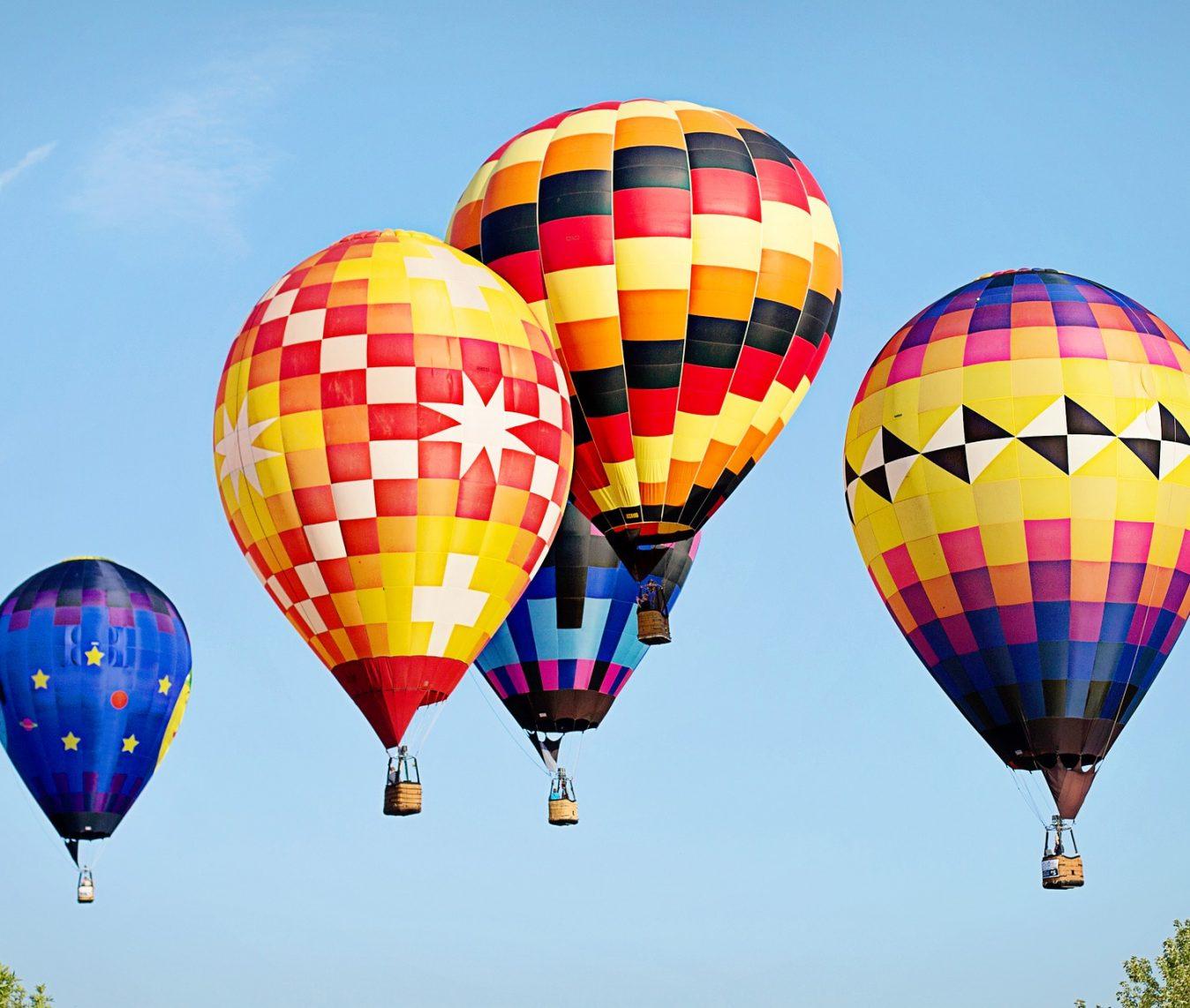 hot-air-balloons-4381675_1920